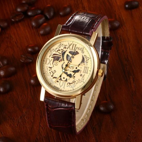 Снимка на мъжки часовник тип скелетон с кожена каишка